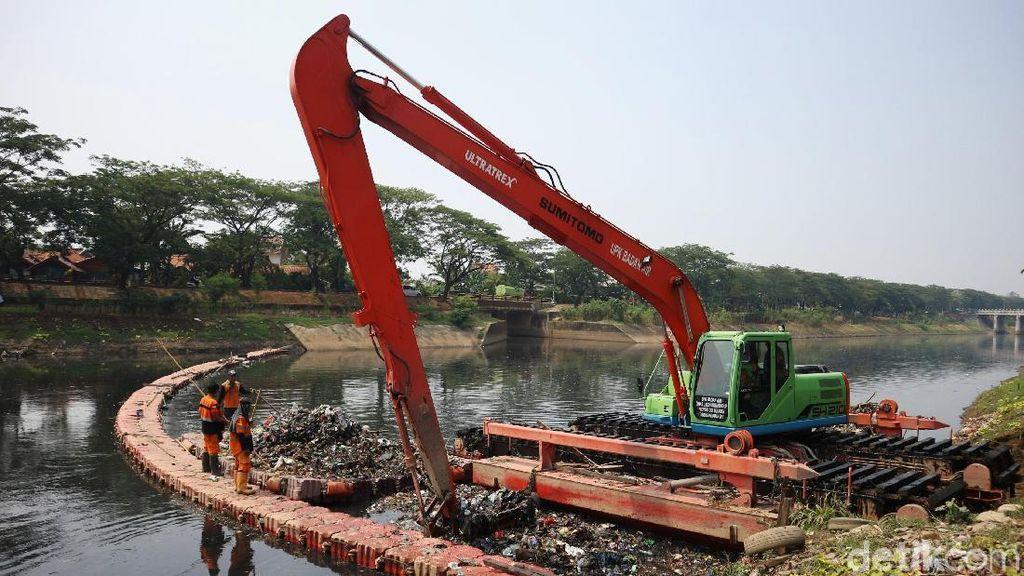 Antipasi Banjir, Sampah KBT Dikeruk