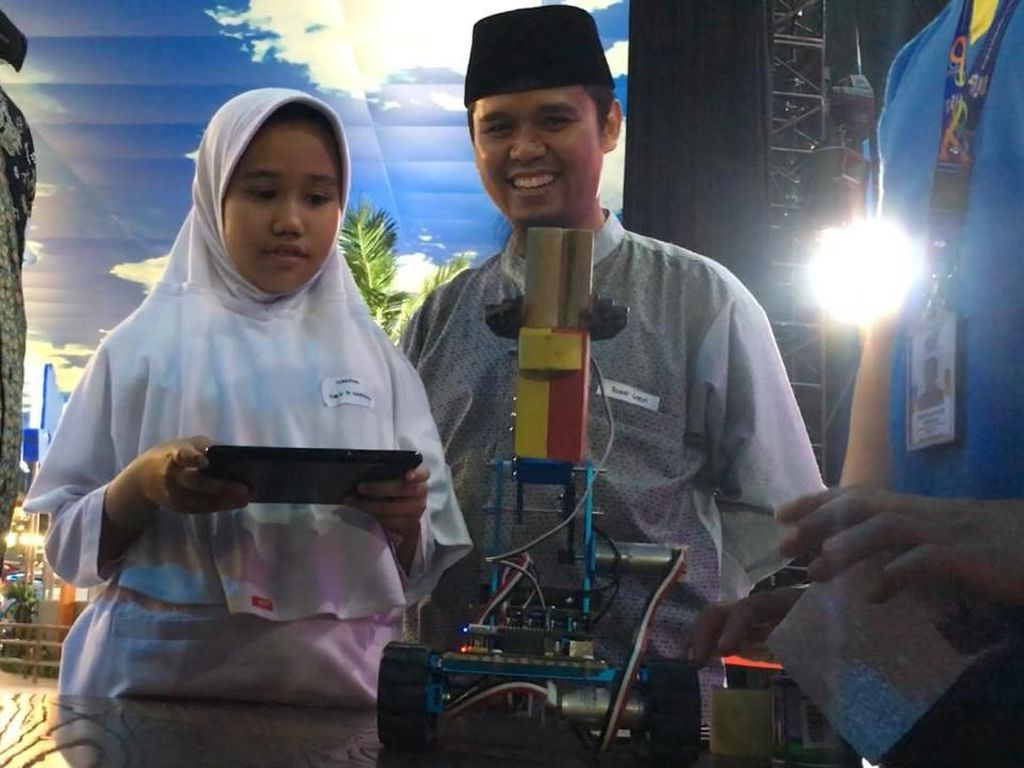 Trans Studio Cibubur Ajak Siswa Otak Atik Robot Masa Depan