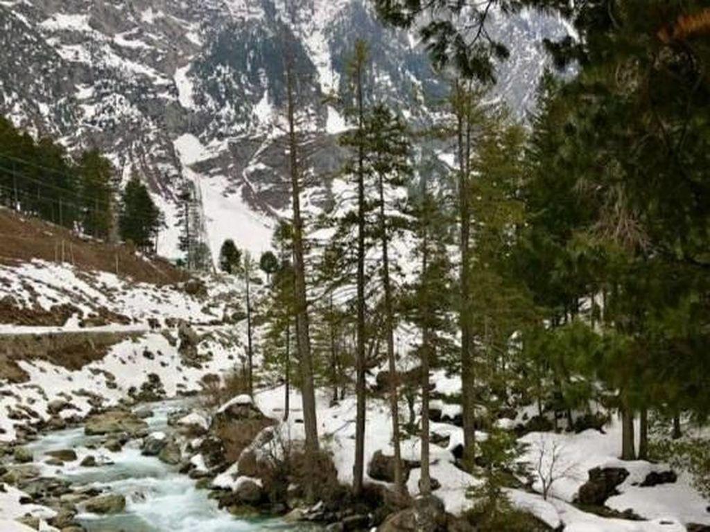 4 Spot Cantik Di Kashmir, Wilayah Bersalju di Asia