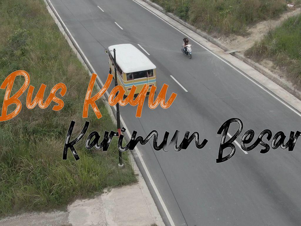 Bus Kayu di Karimun yang Jadi Idola Turis Mancanegara