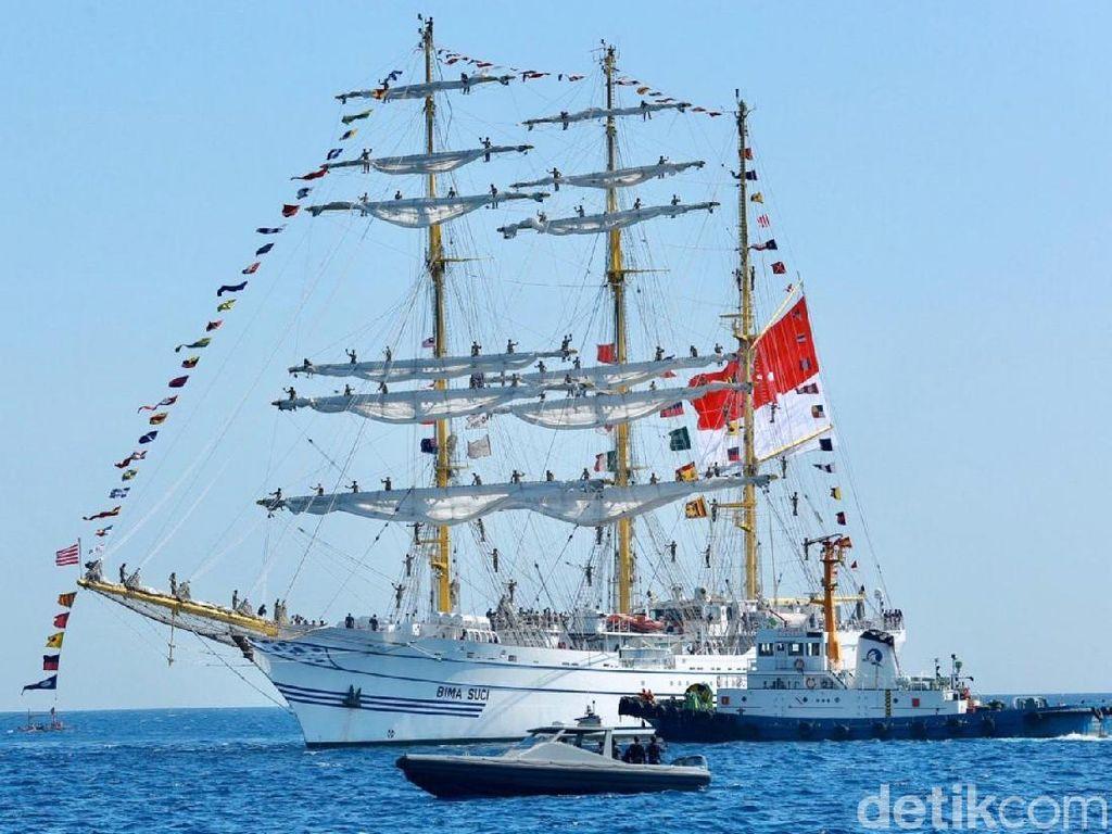 KRI Bima Suci Singgah di Banyuwangi Usai Berlayar ke 9 Negara