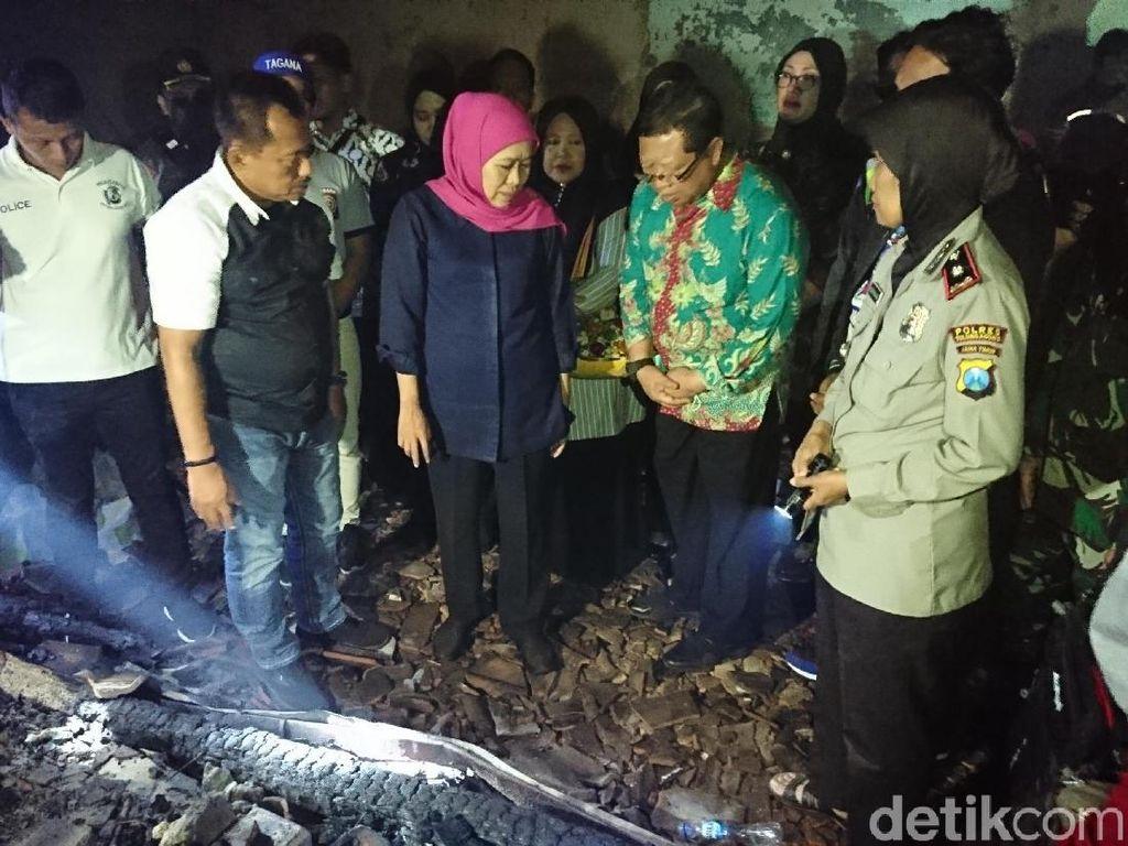 Khofifah Janjikan Bantu Bangun Kembali Pasar Ngunut yang Terbakar