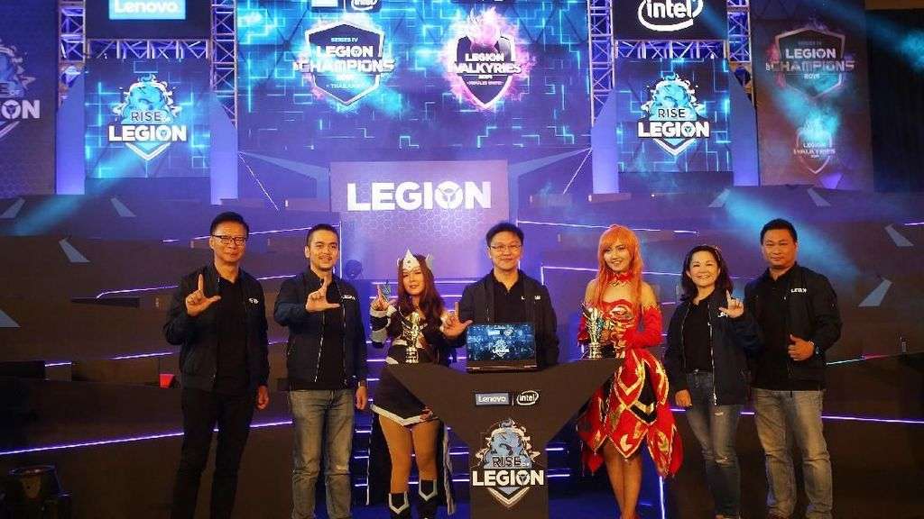 Grand Final Kompetisi eSport Rise of Legion
