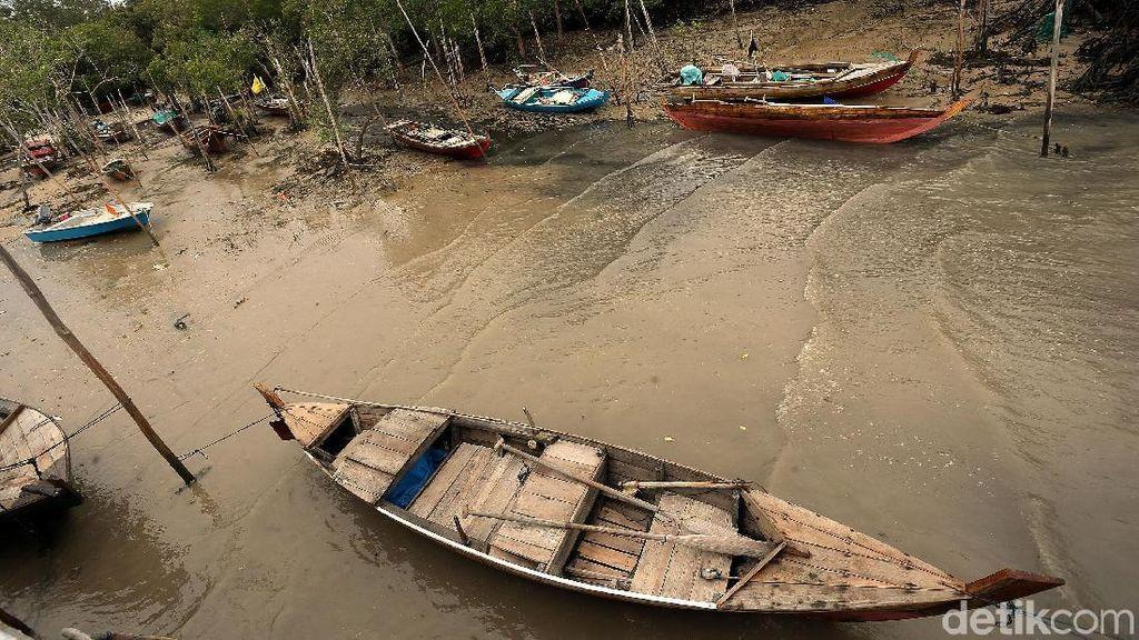 Melihat Kehidupan Kampung Nelayan di Tapal Batas Indonesia