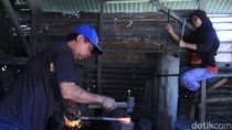 Marak Pacul Impor China Bikin Perajin Pindah Haluan Bikin Golok