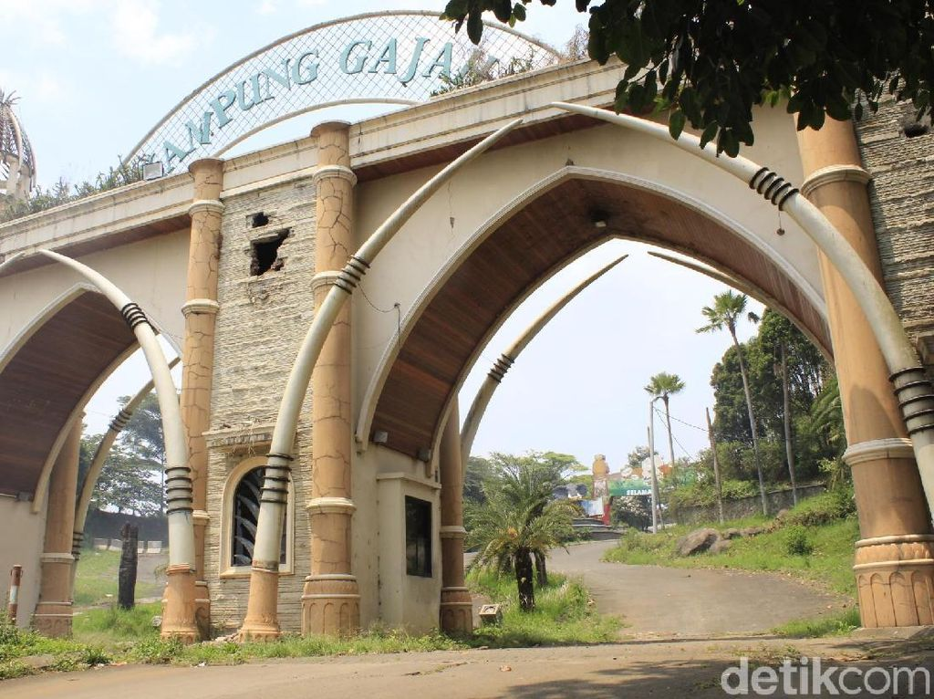 5 Fakta Kampung Gajah Bandung yang Bangkrut dan Jadi Angker