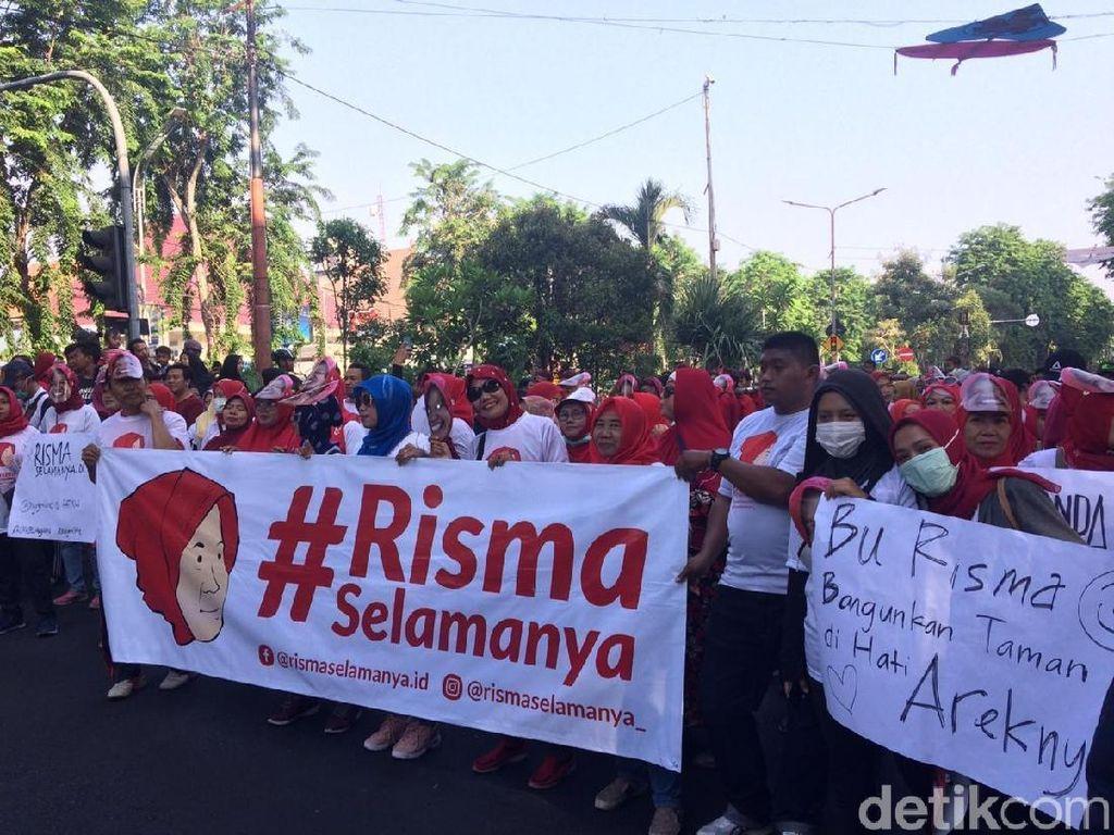Warga Surabaya Usung Tagar RismaSelamanya, Apa Itu?