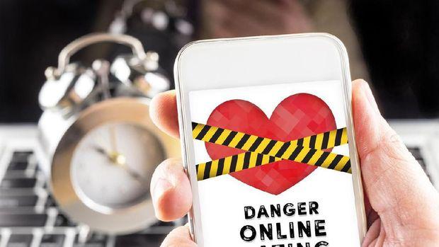 Percobaan: 30 Hari Menjaring Cinta Online