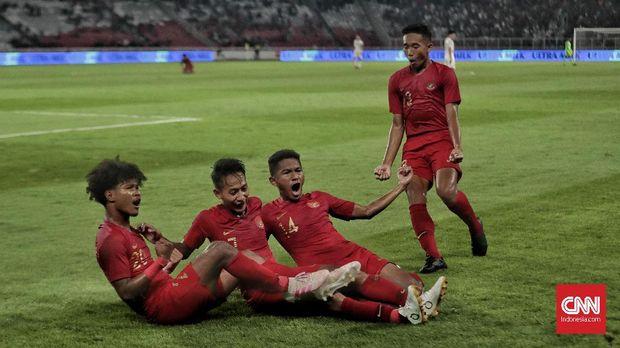 Para penggawa Timnas Indonesia U-19 merayakan sukses ke Piala Asia U-19 2020. (
