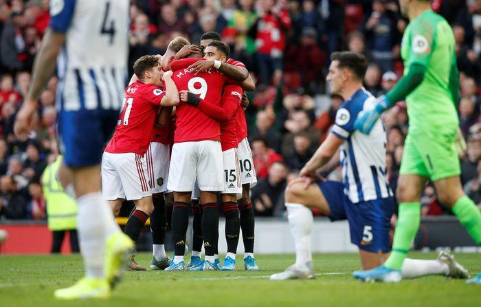 Manchester United mengungguli Brighton 2-0 di babak pertama. (Foto: Andrew Yates / Reuters)