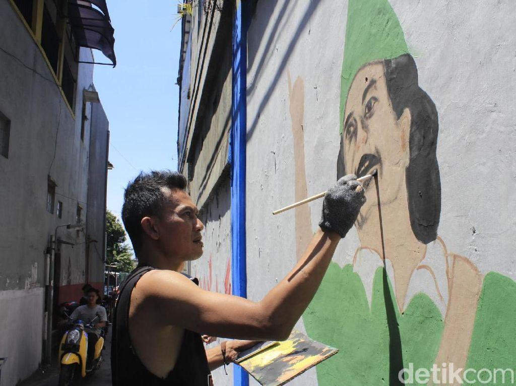 Aksi Mural Komunitas Cimindi Ngahiji Peringati Hari Pahlawan