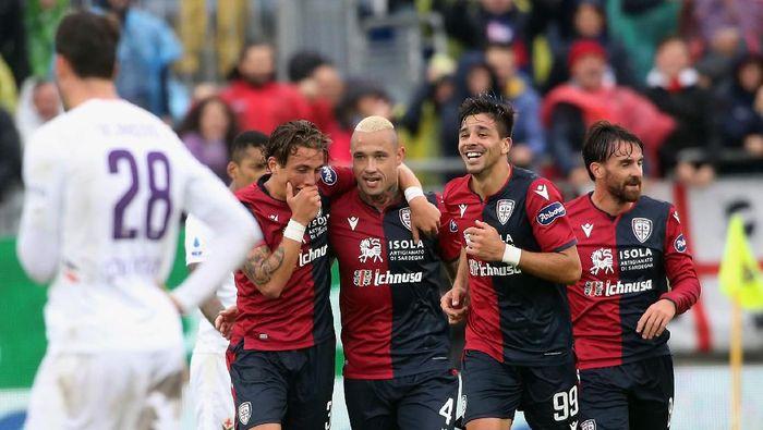 Cagliari menang 5-2 atas Fiorentina dan naik ke peringkat ketiga klasemen Liga Italia (Foto: Enrico Locci/Getty Images)