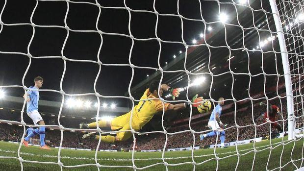 Mitos Musim Keempat Guardiola dan Inkonsistensi Man City