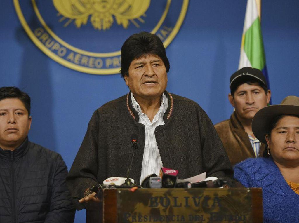 Video Presiden Bolivia Evo Morales Mundur