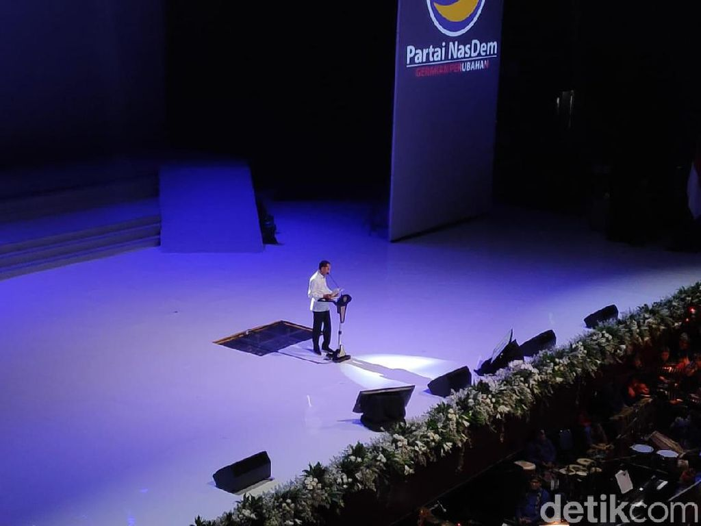 Di Kongres NasDem, Jokowi Ungkit Lagi Rangkulan Paloh-Presiden PKS