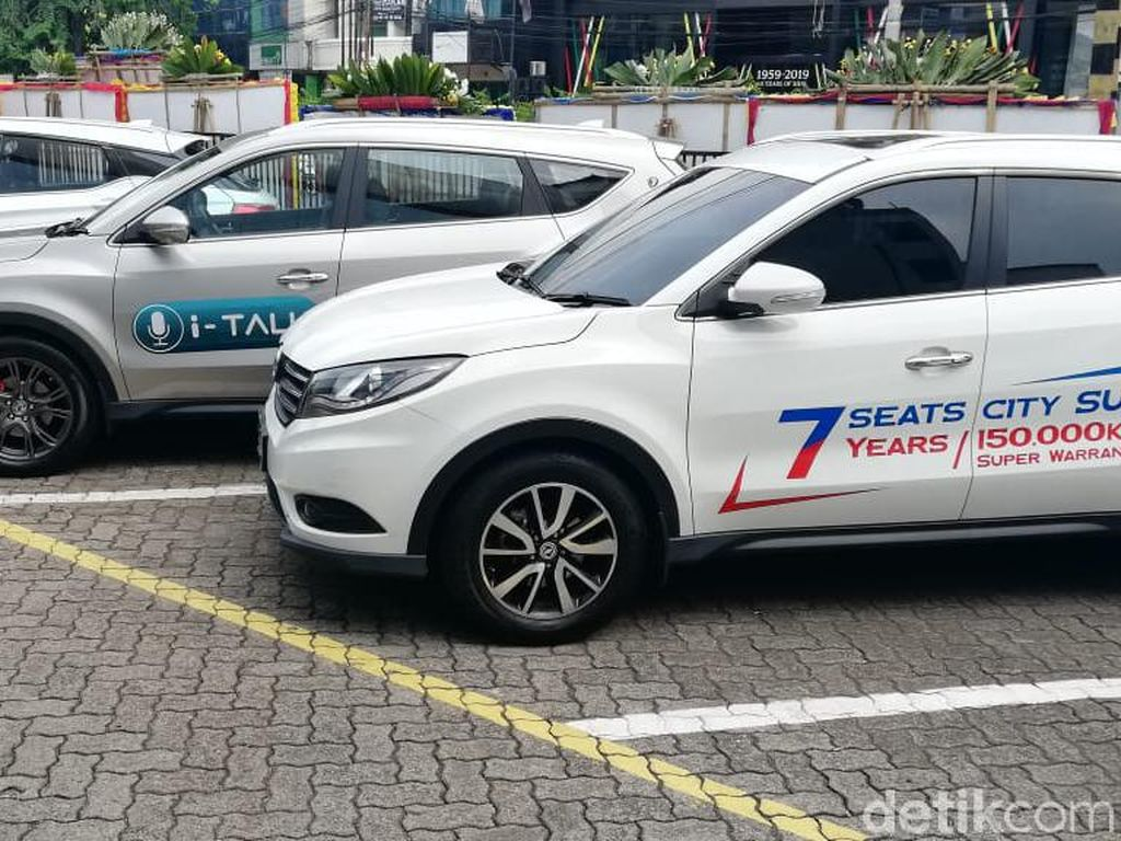 Pssstt...Pelan-pelan Mobil China Curi Hati Orang Indonesia