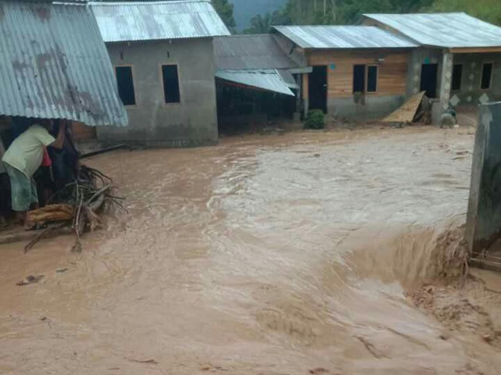 Banjir Melanda Daerah Perbatasan Aceh-Sumut, 13 Rumah Rusak