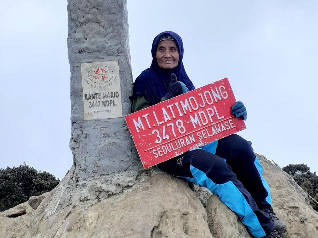Cerita Nenek dari Pekalongan, Usia 66 Tahun Hobi Naik Gunung