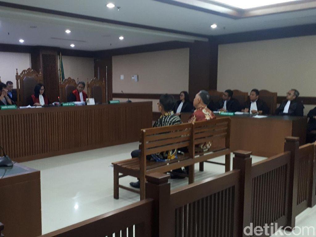 Dua Penyuap Eks Bupati Lampung Tengah Divonis 1 Tahun Bui