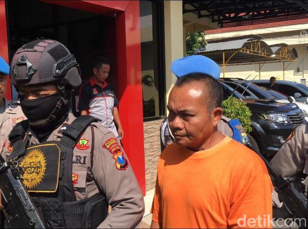 Polisi Bongkar Tempat Pengolahan Ayam Tiren di Mojokerto
