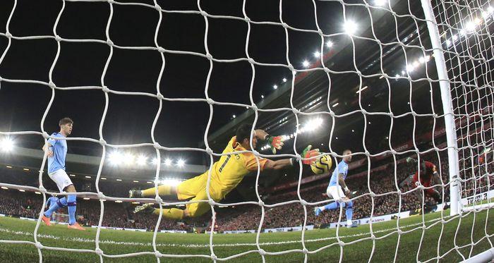 Duel Liverpool vs City di pekan ke-12 Liga Inggris digelar di Anfield, Minggu (10/11/2019) malam WIB. AP Photo/Jon Super.