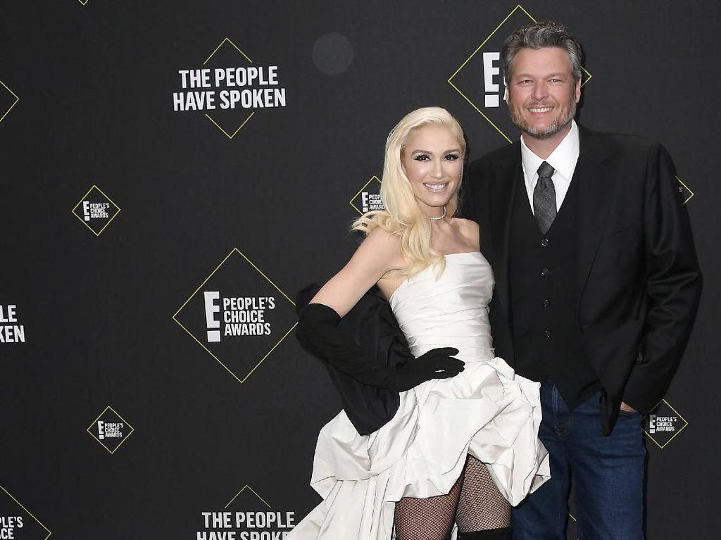 Blake Shelton dan Gwen Stefani Akan Menikah?