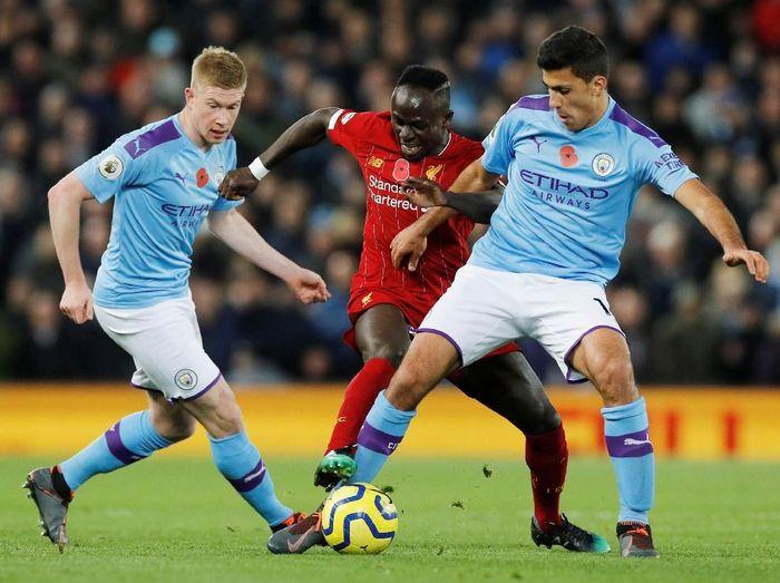 Manchester City dan Liverpool disebubt akan bersaing untuk memperebutkan gelar juara Liga Inggris musim ini. (Foto: Phil Noble/Reuters)