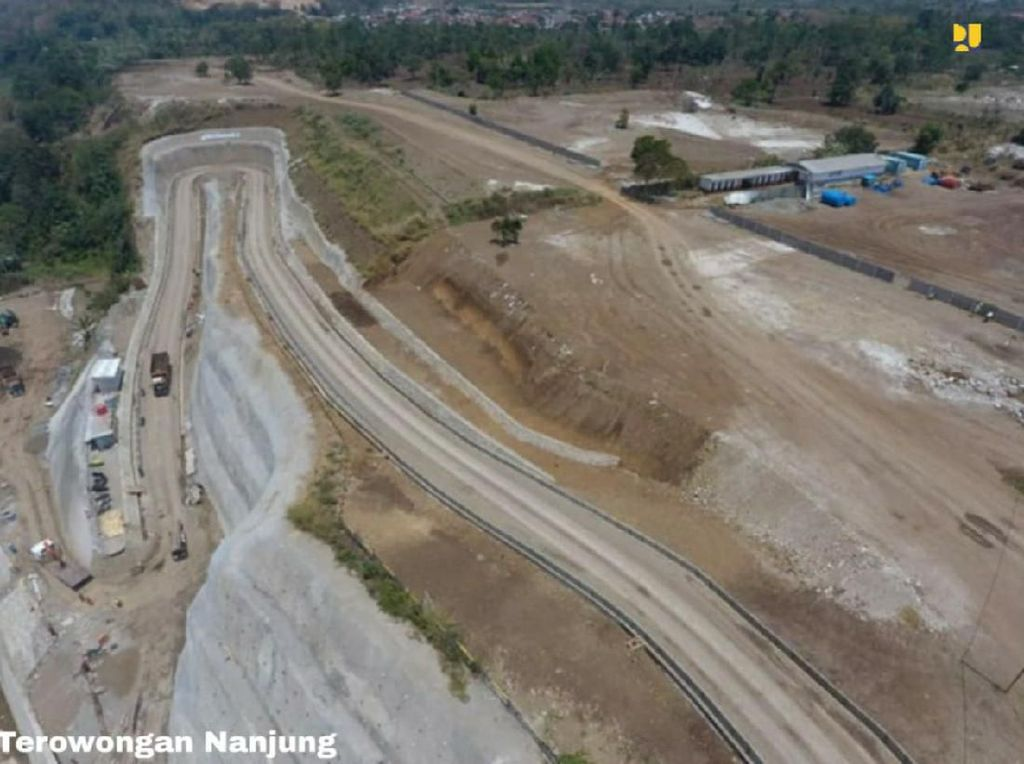 Sederet Jurus Hadang Banjir Kepung Bandung Selatan