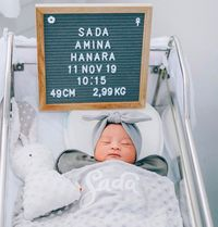 Fitri Tropica Lahirkan Bayi Perempuan, Ini Makna Indah Namanya