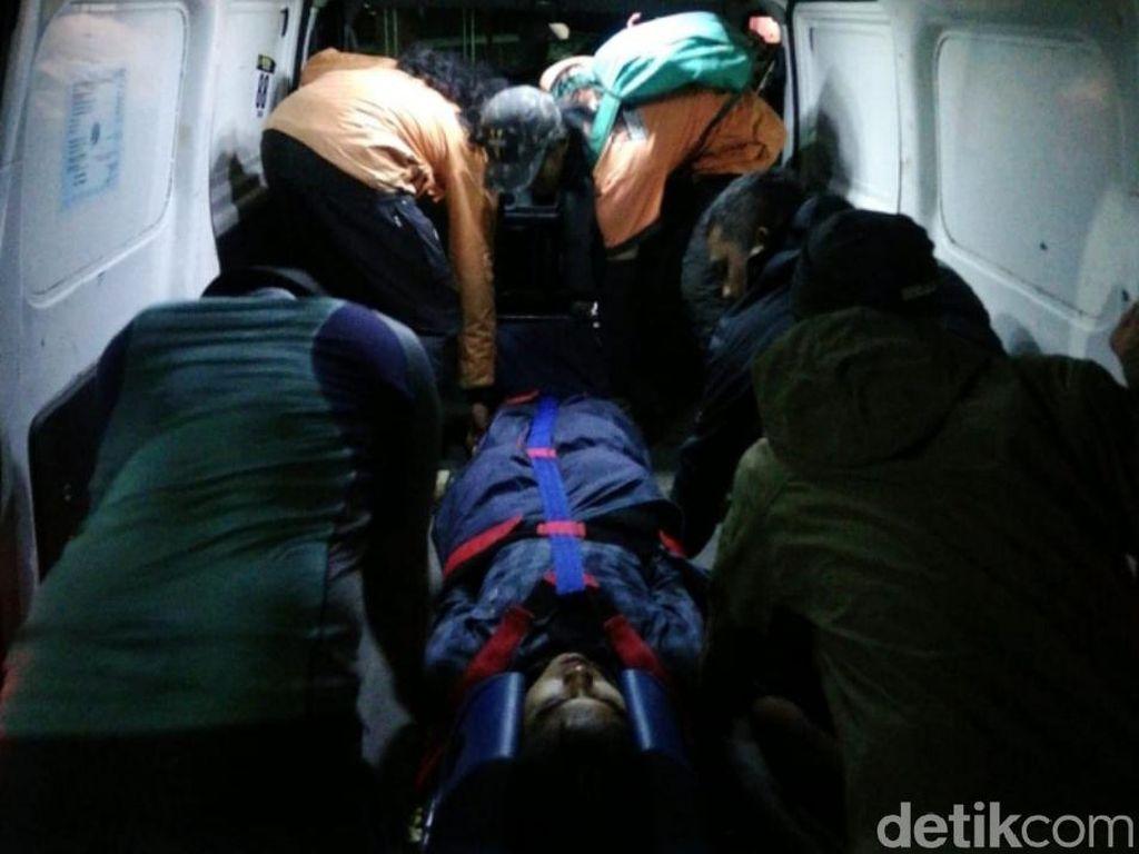 3 Orang Terluka Akibat Terpeleset Saat Pendakian di Gunung Sindoro