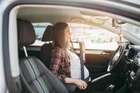 5 Tips Aman Ibu Hamil Mengendarai Mobil