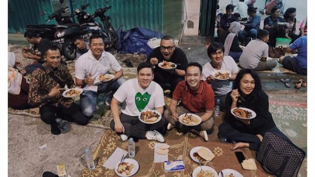 Keseruan Jordi Onsu Saat Makan Gudeg hingga Kulineran di Luar Negeri