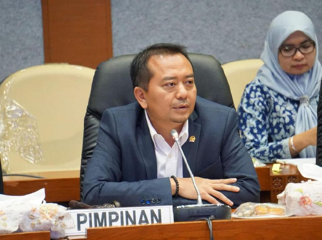 Komisi X DPR Nilai 3 Opsi Kurikulum Darurat Nadiem Makarim Bikin Bingung