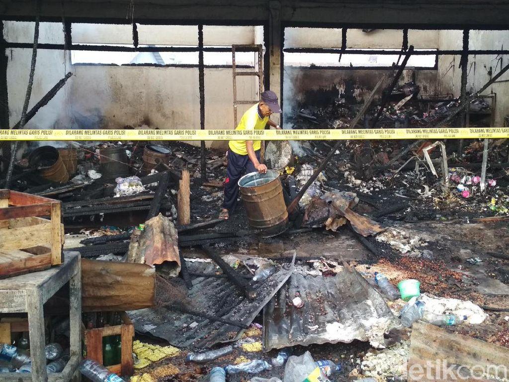 Imbas Pasar Ngunut Terbakar, 522 Pedagang Direlokasi ke Pasar Hewan