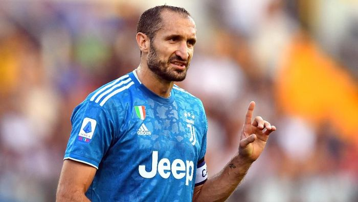 PARMA, ITALY - AUGUST 24: Giorgio Chiellini of Juventus  gestures during the Serie A match between Parma Calcio and Juventus at Stadio Ennio Tardini on August 24, 2019 in Parma, Italy.  (Photo by Alessandro Sabattini/Getty Images)