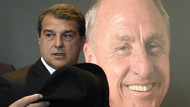 Former Barcelona's President Joan Laporta leaves after paying tribute to late Dutch football star Johan Cruyff in a special condolence area set up at Camp Nou stadium, in Barcelona on March 26, 2016. - Cruyff, one of the greatest footballers of all time who dazzled with his artistry, died on March 24, 2016 at the age of 68 after losing a battle with lung cancer, prompting an avalanche of tributes from around the sports world. (Photo by LLUIS GENE / AFP)
