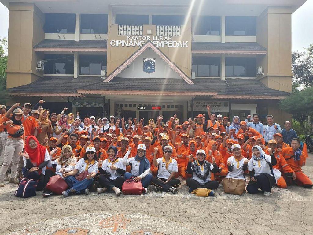 Ultah Ke-39, Abipraya Bagikan Paket Sembako ke Pasukan Oranye