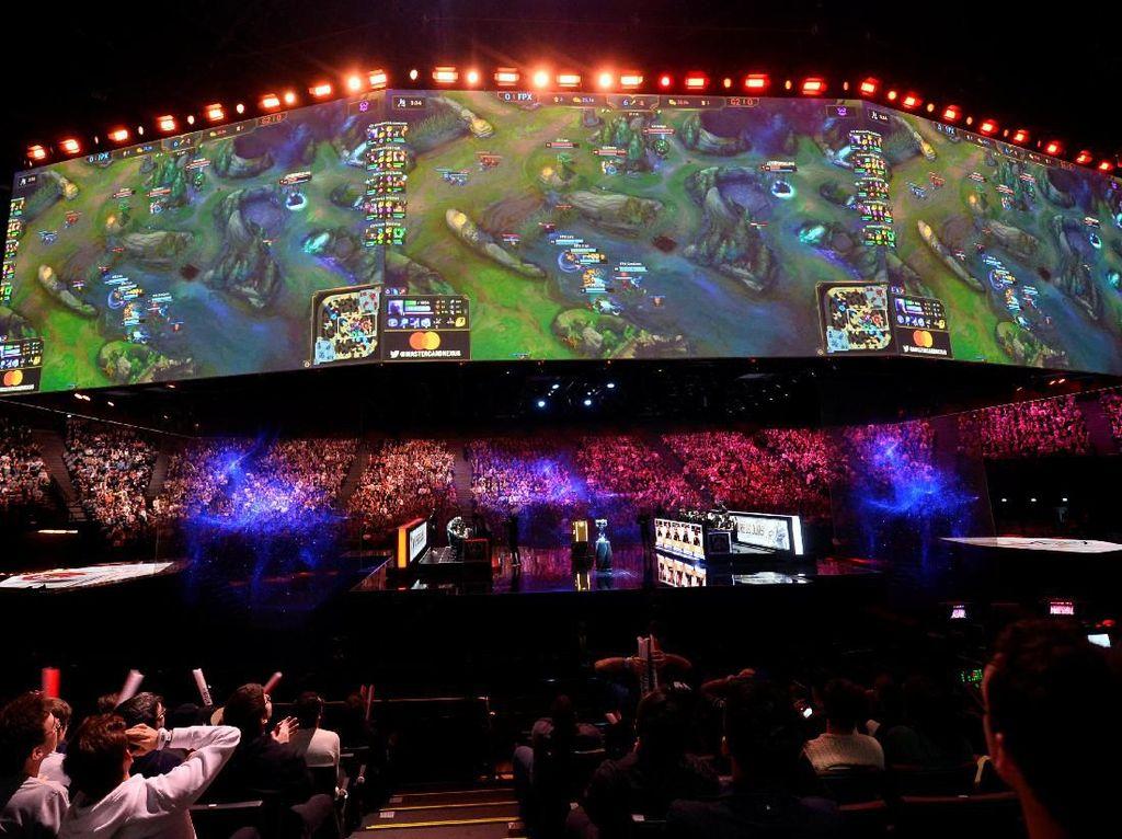 Belasan Ribu Penonton Jadi Saksi Gamer China Gondol Rp 11,7 M