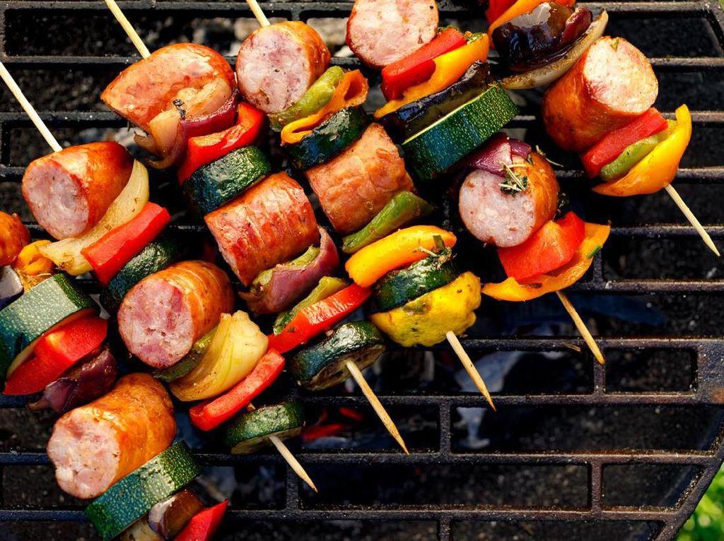 Malam Tahun Baru, Ini 7 Jenis Makanan untuk Disantap Bareng Keluarga