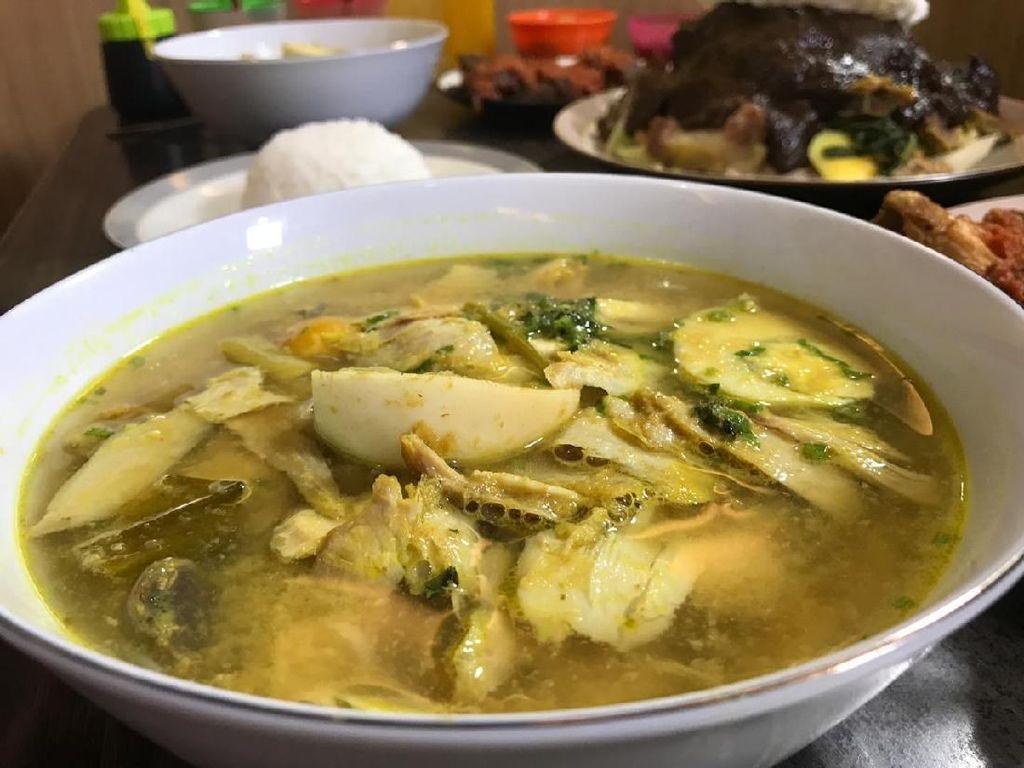 Mantap! Makan Soto Ambengan, Surabi, hingga Makanan Korea yang Bikin Laper