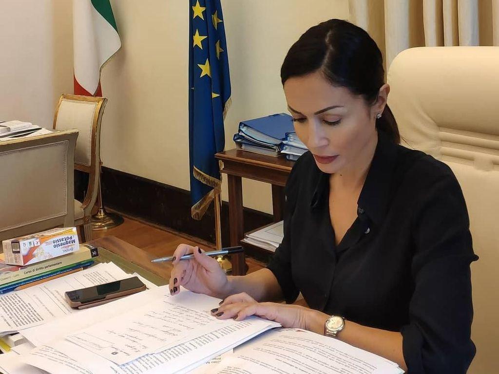 Potret Politisi Italia yang Pernah Disebut Menteri Tercantik di Dunia