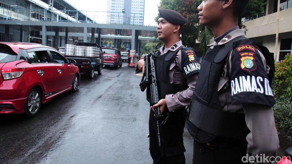 Polda Metro Perketat Keamanan Usai Bom Medan