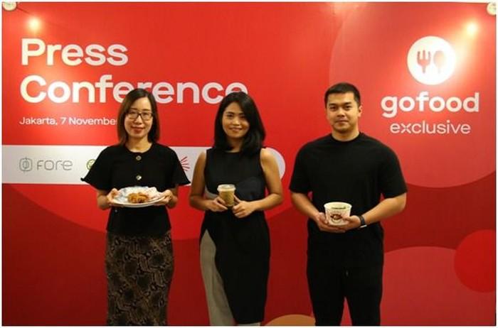 Head of Marketing CFC Fiska Rieslianti, Co-Founder and COO Fore Coffee Elisa Suteja, Co- Owner Mangkok Ku Randy Julius (Dok Gojek)