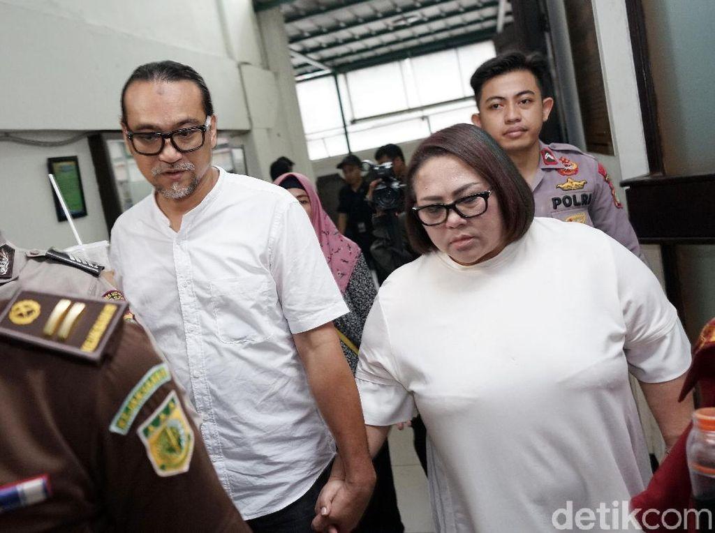 JPU Tuntut Nunung dan Suami  Pidana Penjara 1 Tahun 6 Bulan