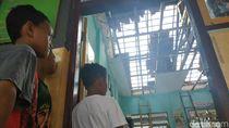 Tembok Sekolah di Tulungagung Ambruk Disapu Angin Kencang, 2 Luka