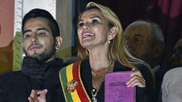 Presiden sementara Bolivia Jeanine Anez menolak memberi amnesti bagi Morales.