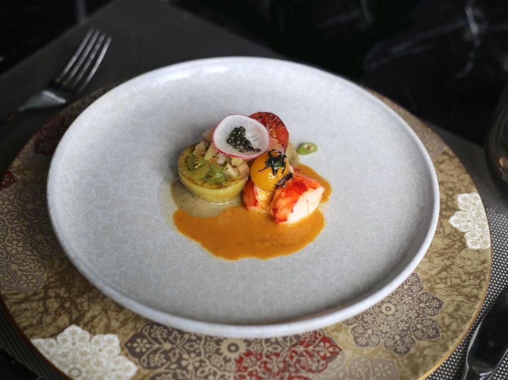 3 Chef Indonesia Sajikan Tempe Berpadu Lobster hingga Burung Dara