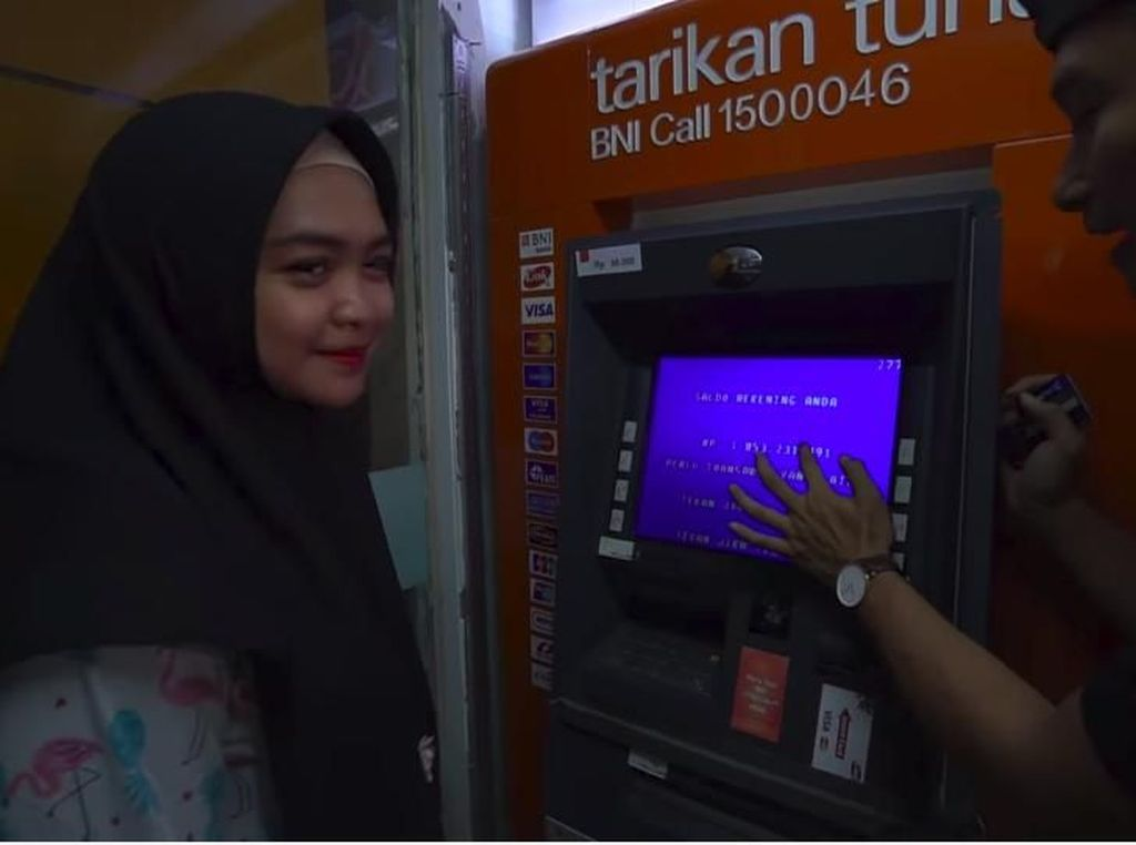 Jangan Hujat Dulu! Ria Ricis Ungkap Alasan Mau Buka Isi Saldo ATM