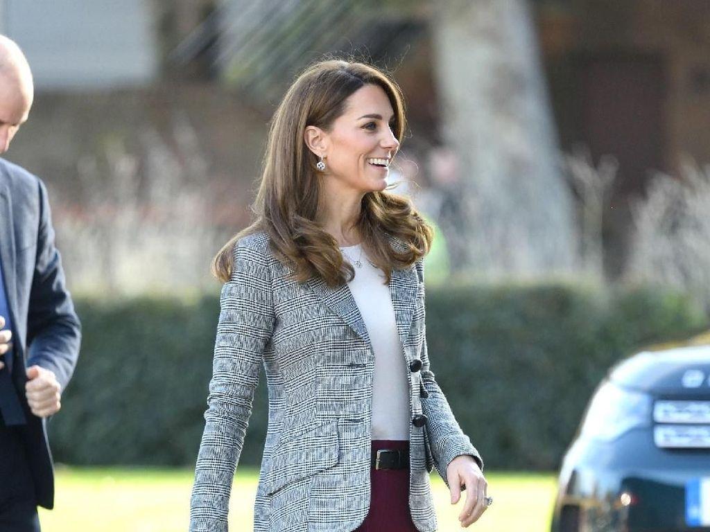 Foto: Inspirasi Baju Kerja dari Gaya Terbaru Kate Middleton