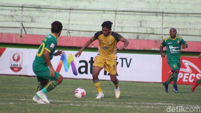 Mitra Kukar bermain imbang 1-1 dengan Sriwijaya FC di lanjutan babak 8 besar Liga 2 2019. (Foto: Suparno/detikcom)